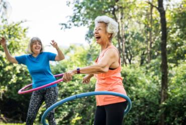 seniors hula hooping